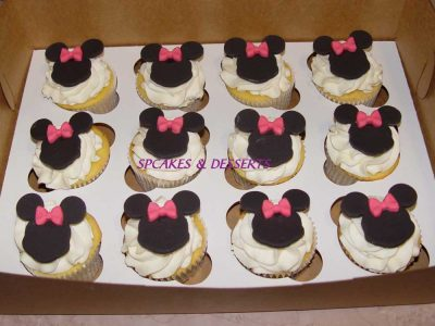 Fondant Minnie Cupcakes