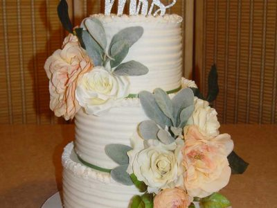 Mr Mrs Wedding Cake