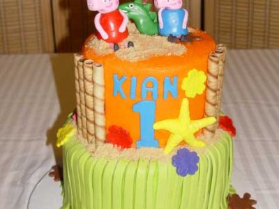 Peppa Pig Island Cake