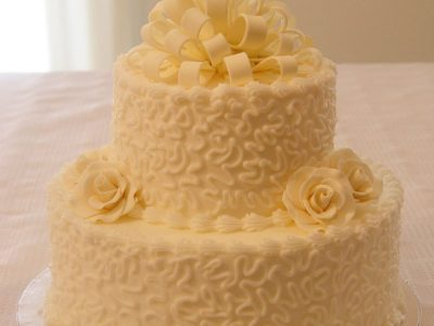 White Bow Flower Wedding Cake
